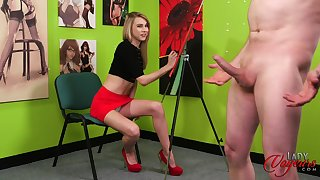 Painter Chloe Toy gets in a trance by her boyfriend's stiff cock