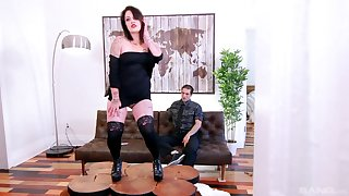 Tattooed mature slut Lily-rose Girder drops panties nearly ride a prick