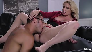 Curvy MILF tries hard sex hither the new guy