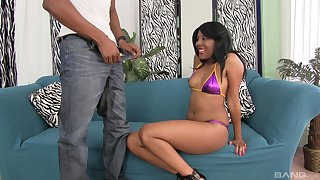After a blowjob Qutie Quinn got her tight pussy fucked on the couch