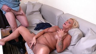 Bereny Szabo Anett is the unrestricted master of sucking and conscious of on a cock