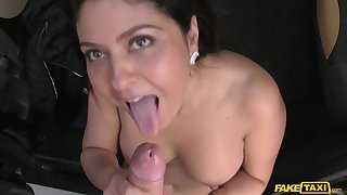 Shaved pussy Mariska Iordered loves to suck a dick be advantageous to taxi drivers