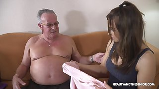 Stepdaughter's introduction to elder bobtail and that girl can fuck